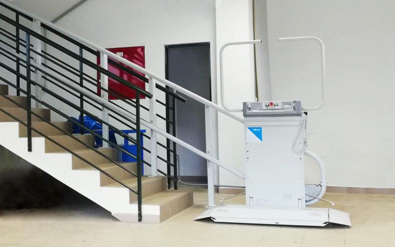 Výťah na schody - Plošina SLIM